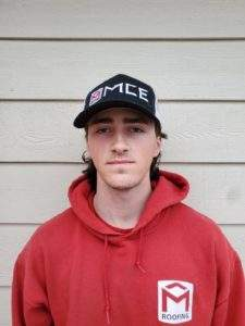 Picture of MCE Roofing Employee